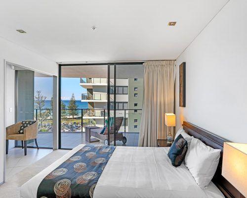 1-bedroom-oceanview-burleigh-heads3