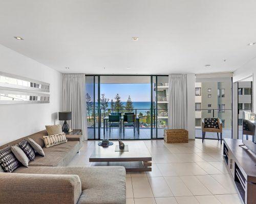 1-bedroom-oceanview-burleigh-heads5