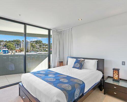 2-bed-burleigh-beach-accommodation1