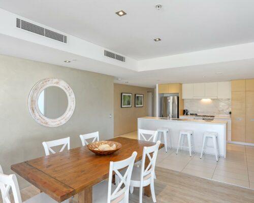 2-bed-burleigh-beach-accommodation4