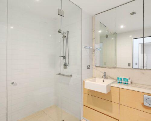 2-bed-burleigh-beach-accommodation5