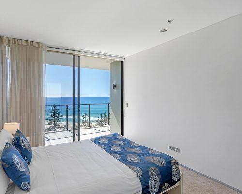 2-bed-superior-burleigh-beach2