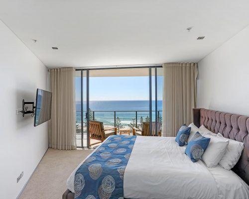 2-bed-superior-burleigh-beach4