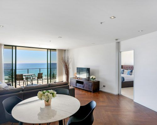 2-bed-superior-burleigh-beach7