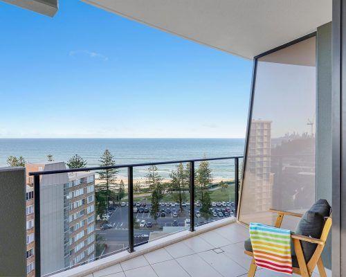 3-bedroom-ocean-view-burleigh-heads11