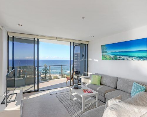 3-bedroom-ocean-view-burleigh-heads12