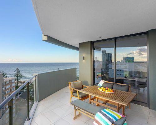 3-bedroom-ocean-view-burleigh-heads2