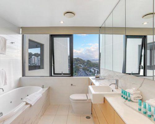 3-bedroom-ocean-view-burleigh-heads6