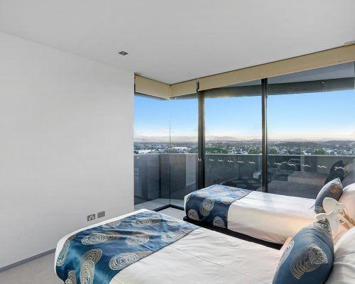 3-bedroom-ocean-view-burleigh-heads7