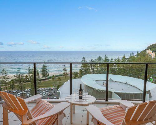 3-bedroom-superior-oceanview-burleigh-beach1