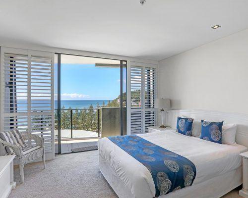 3-bedroom-superior-oceanview-burleigh-beach11