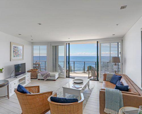 3-bedroom-superior-oceanview-burleigh-beach5