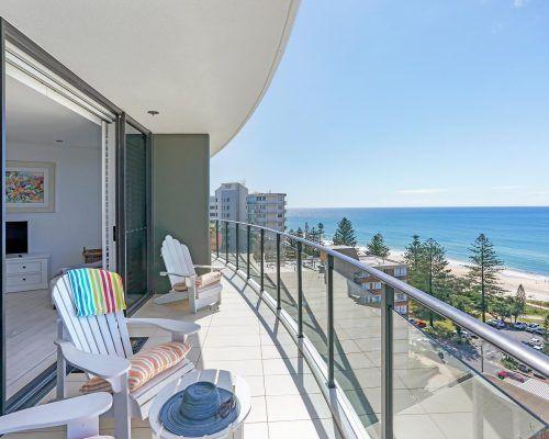 3-bedroom-superior-oceanview-burleigh-beach6