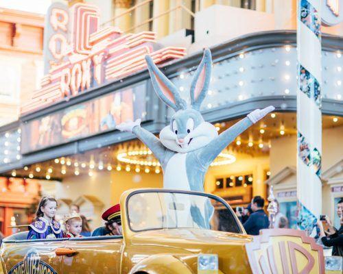 bugs-bunny-at-star-parade-in-main-street-movie-world
